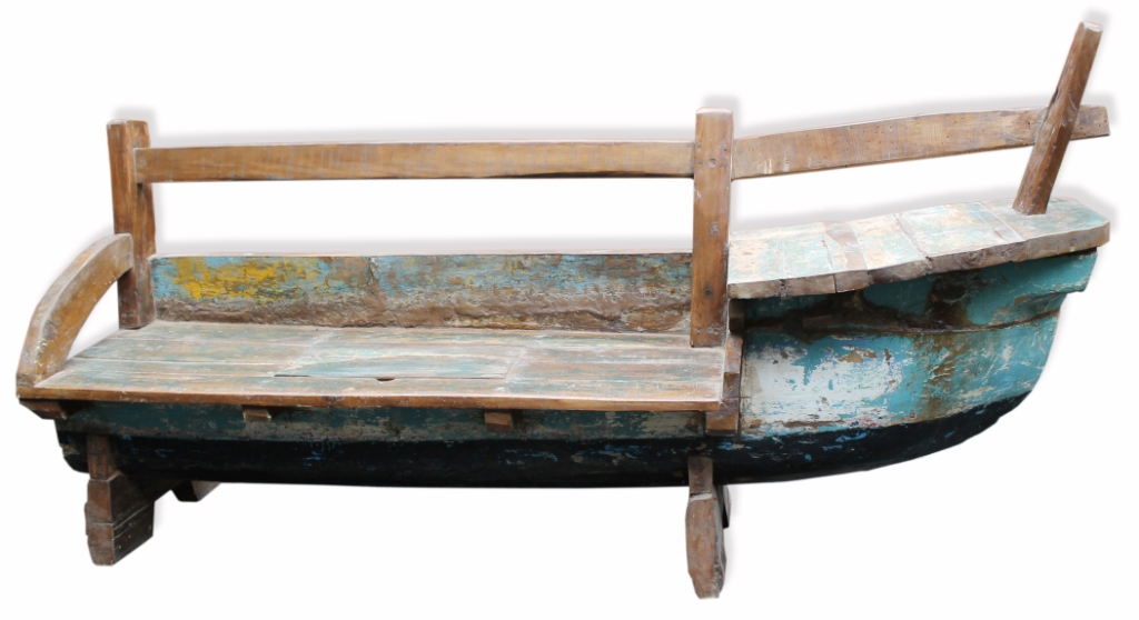 Old Recycled Boat Lounge