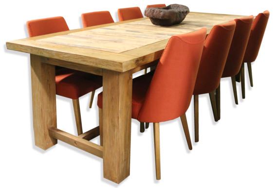 Urban Dinning Table